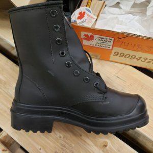 STC 42328MTI-BT2 Work Boots - Size 5 - New